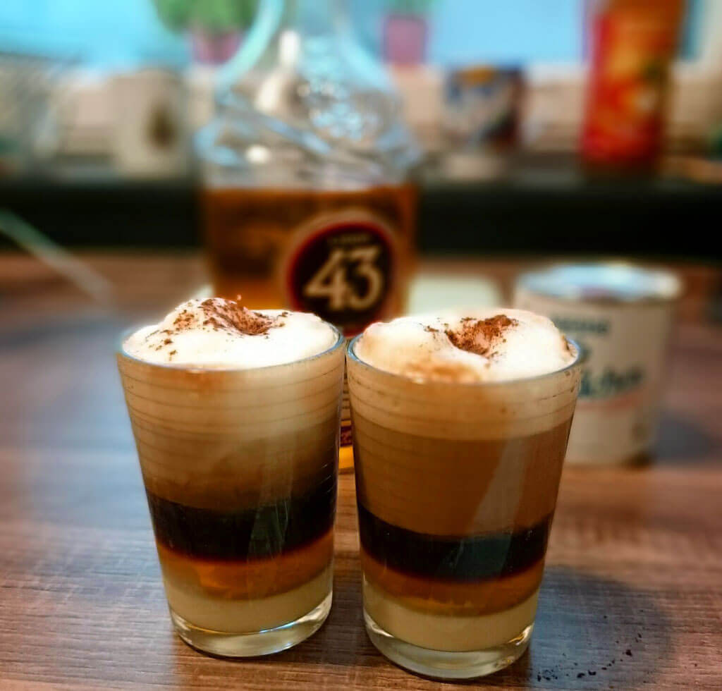 Barraquito – local coffee from Tenerife