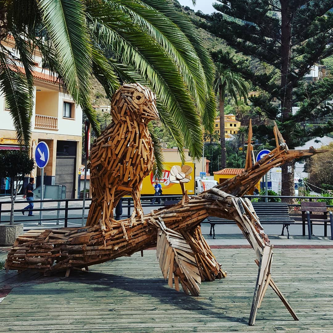Wooden bird on main square of Vallehermoso town – on the private VIP tour to La Gomera Island, Canary Islands with @tenerifehost